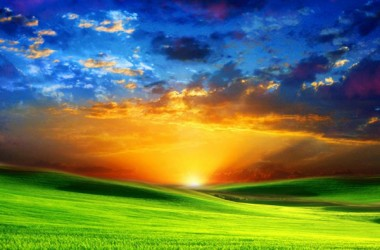 神作事的法則是公義,祂的本意是愛。祂的性格是公義,祂的心腸是愛。