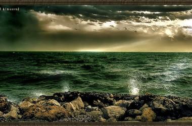 當祂在我們裡面,雖然四周有駭浪、怒濤、狂風、暴雨,可是在我們裡面仍有恆久的平安…