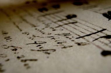 上帝的音樂學院 : 在黑雲中他試你的聲音。在憂傷中他教你唱歌的表情。在患難中他練你的氣。在試煉中他教你發音的準確…