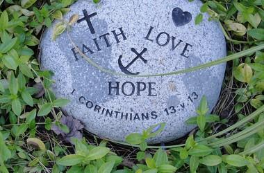 頑強絕不能從上帝得到甚麼,只有不移的信心、完全的依靠,能叫我們得到上帝的祝福。