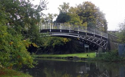 上帝從來不替我們預先建築一架信心的橋樑來等待我們經過的,必須等我們走到那裡,祂纔為我們開路…